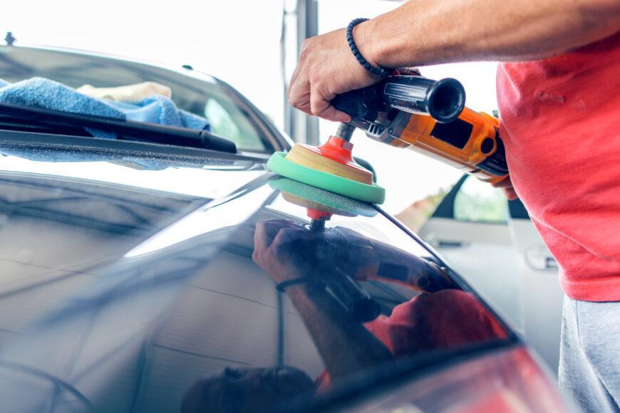 Jak prawidłowo polerować samochód?